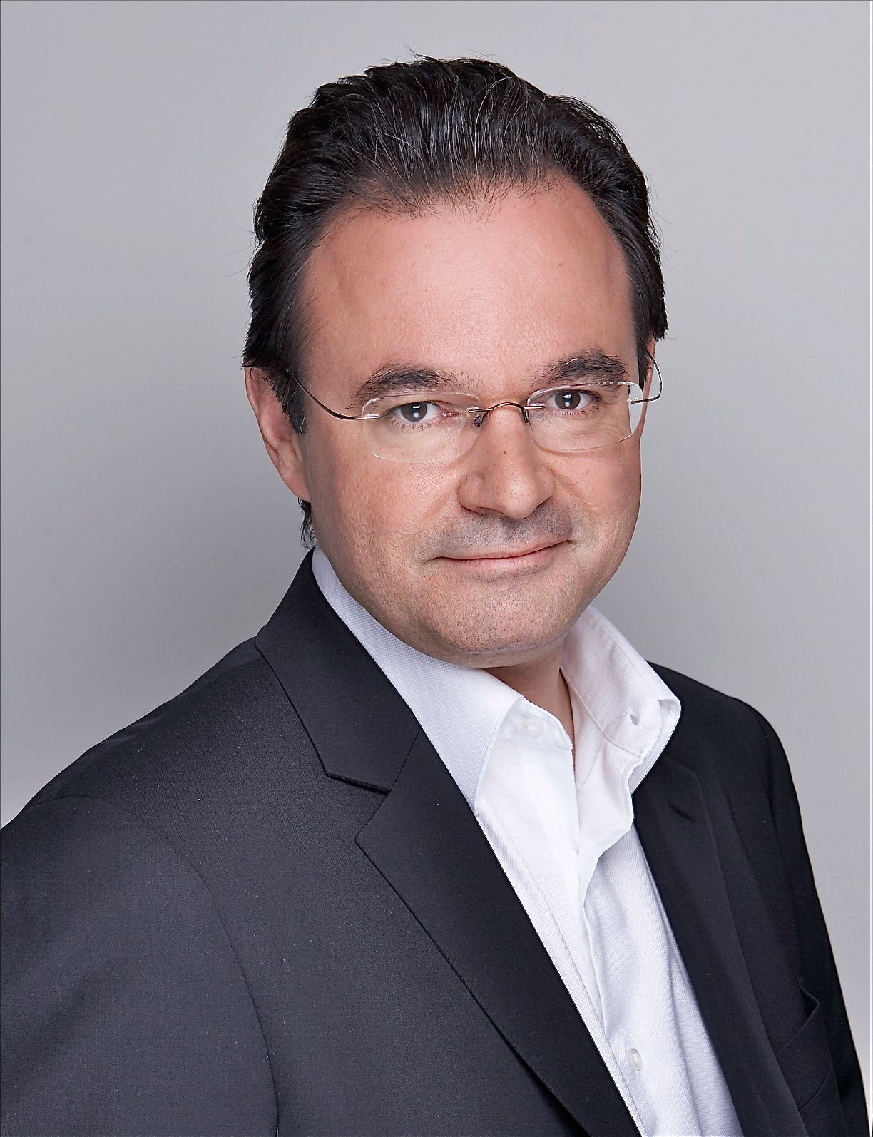 HE Minister, Prof. Dr. George Papaconstantinou Profile Image